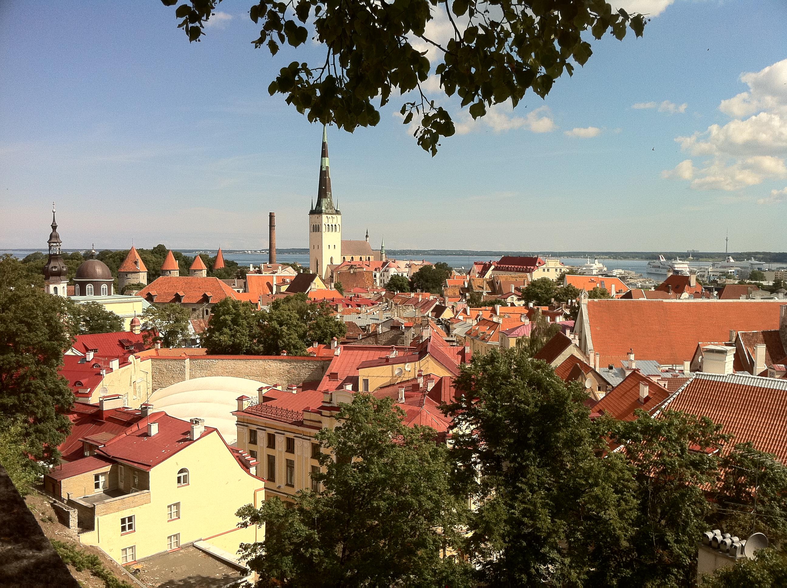 """alt=""""Städtetrips Tallinn, Blick auf die Altstadt"""""""