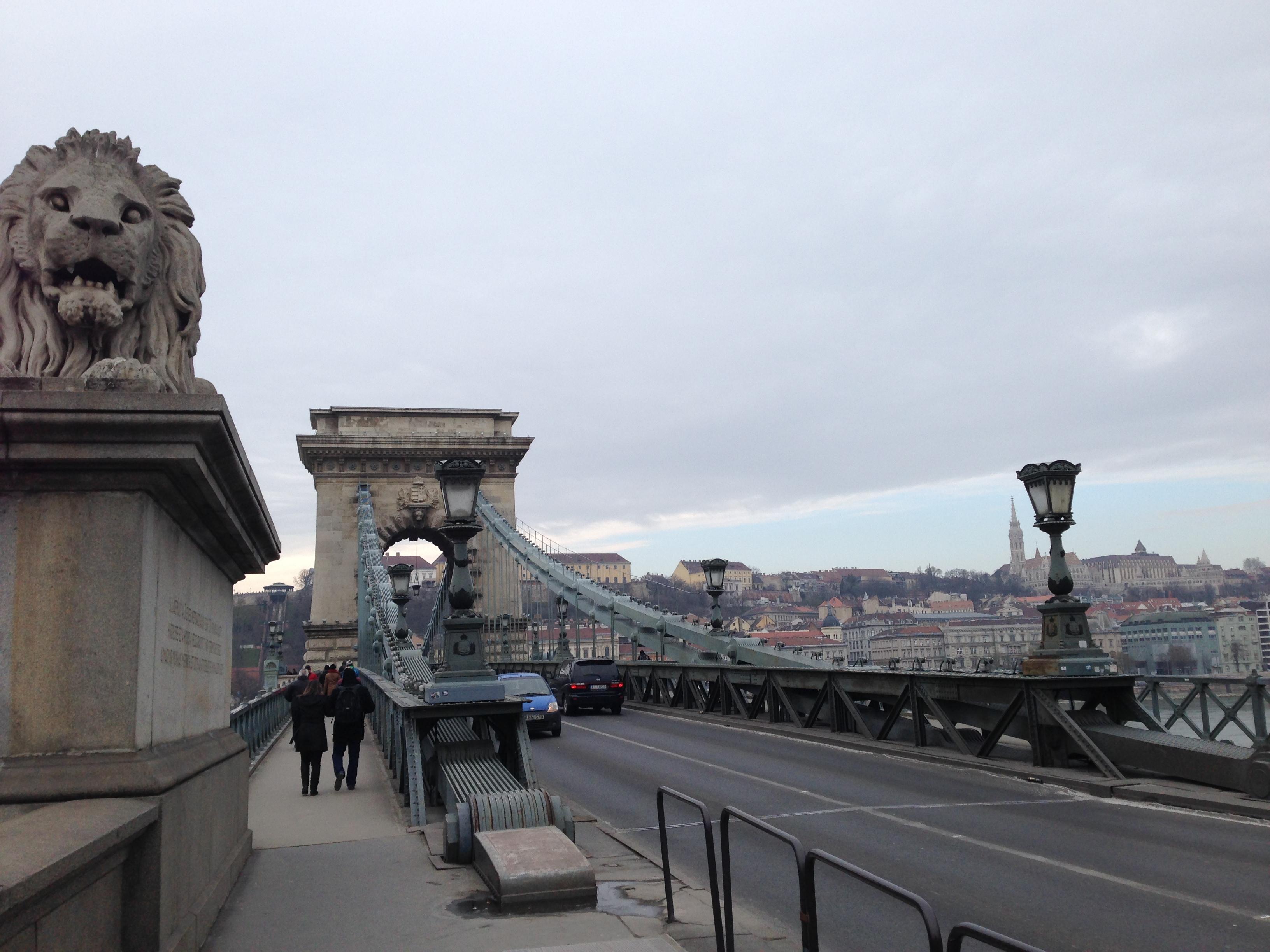 "alt=""Städtetrip Budapest, Brücke zum Burgviertel"""