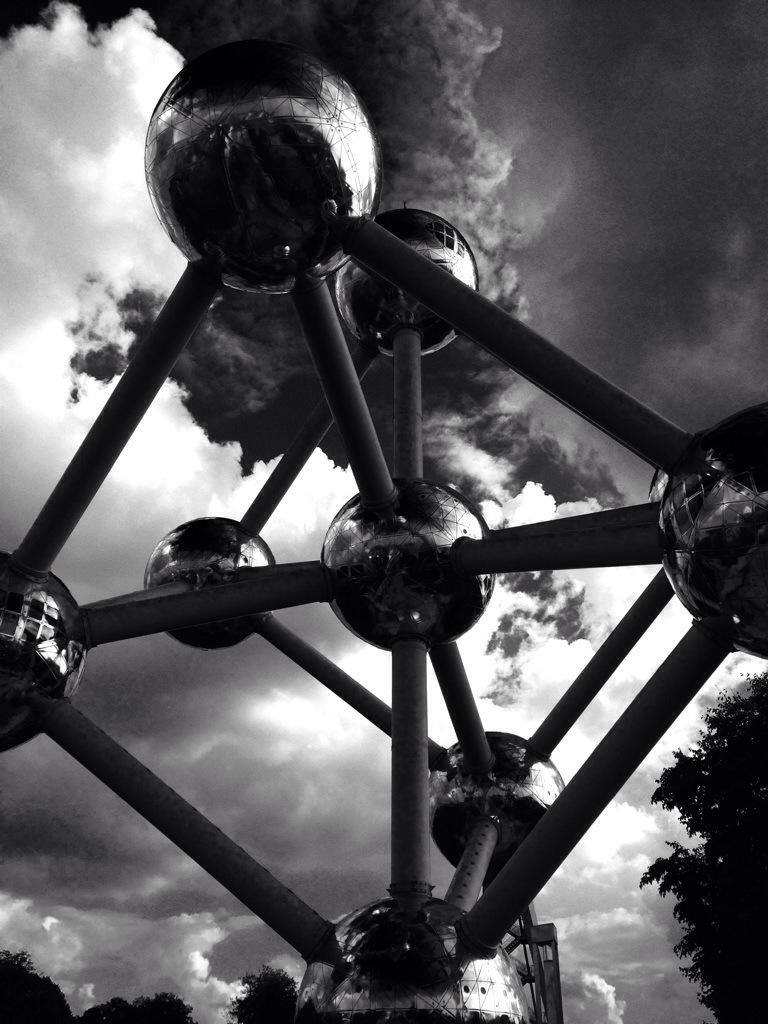"""alt=""""Städtetrip Brüssel, Nahaufnahme vom Atomium"""""""