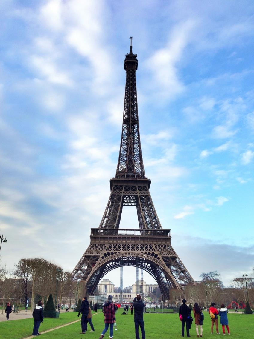 "alt=""Städtetrips Paris, Blick auf den Eiffelturm"""