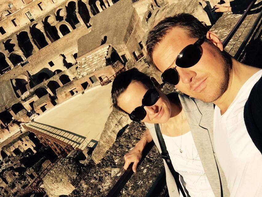 "alt=""Pärchen im Colosseum in Rom"""