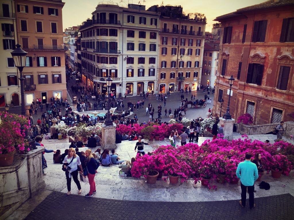 """alt=""""Städtetrip Rom, Spanische Treppe, Blick von oben runter"""""""