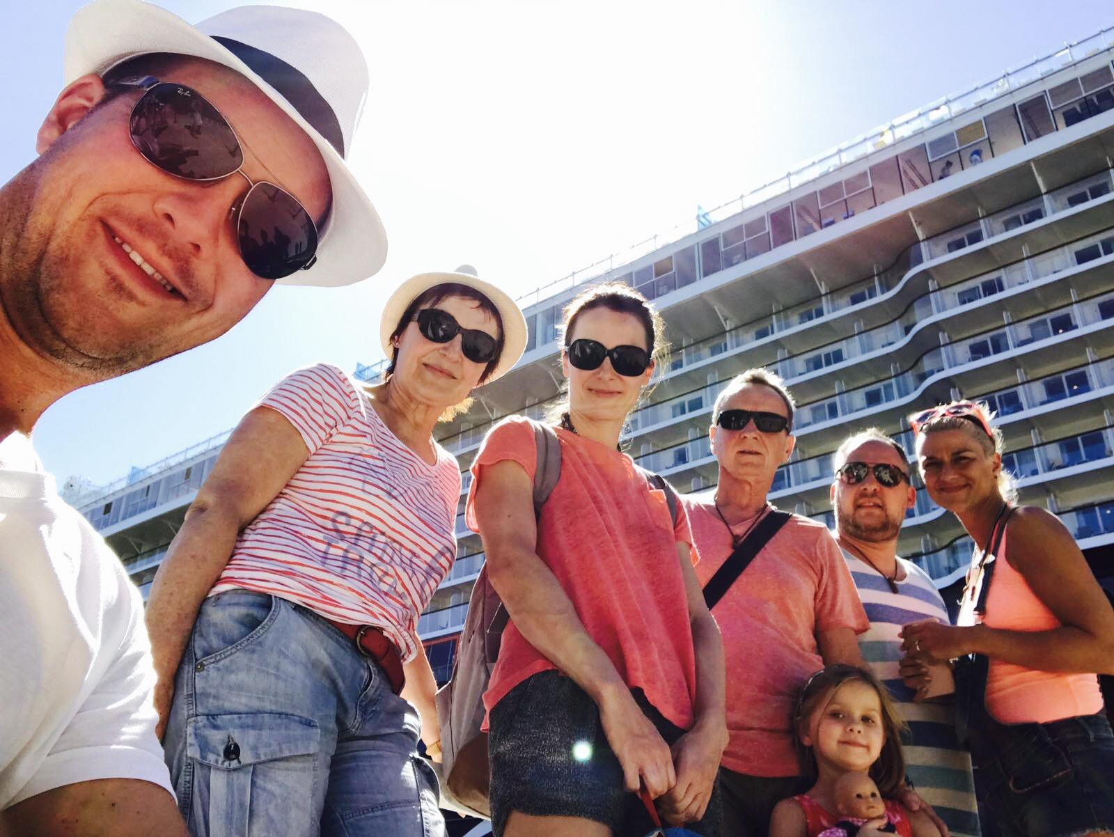 Familie vor Mein Schiff 5