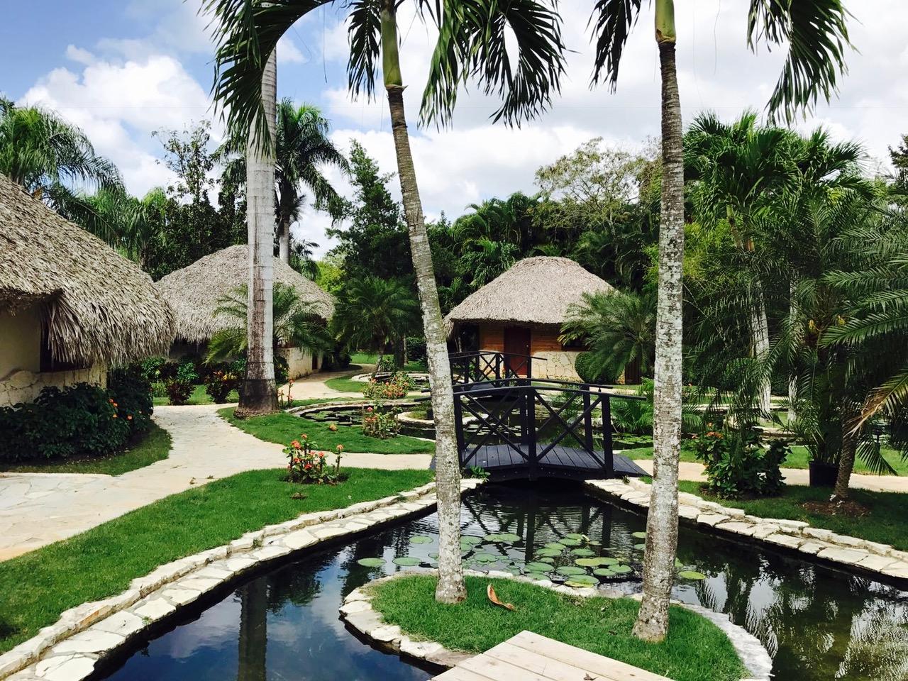 Blick in die Anlage im Dreams La Romana am Bayahibe Strand in der Dominikanischen Republik