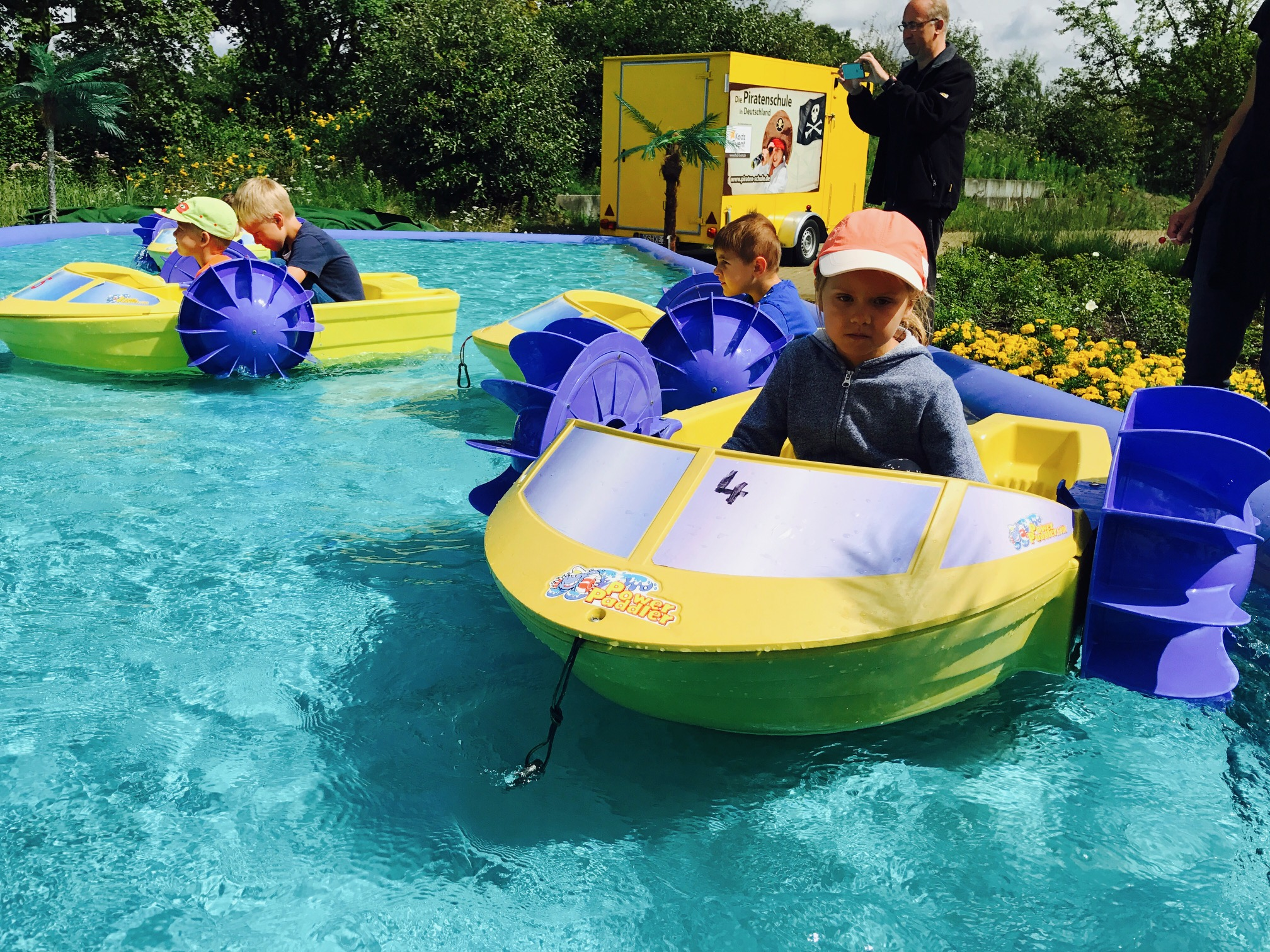 Minibootfahren, Park Rietberg