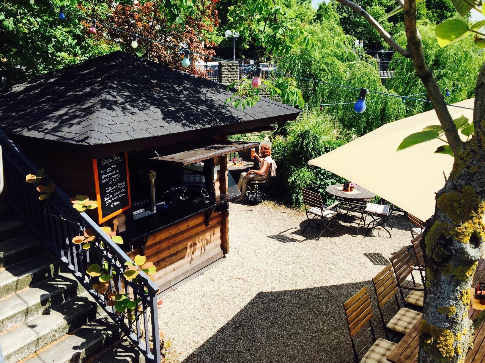 Blick auf Biergarten am Quality Hotel in Lippstadt bei Bad Waldliesborn