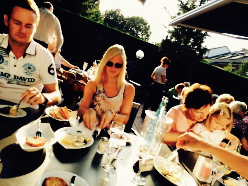 Pärchen beim Essen im Restaurant, Parkhotel Ortkemper in Bad Waldliesborn