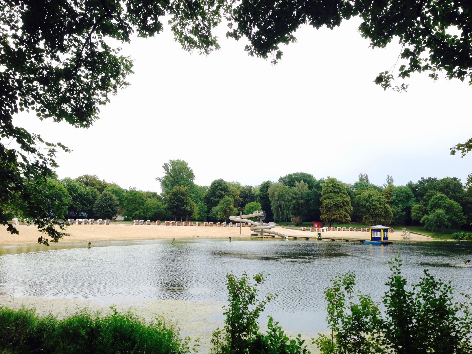 Blick auf das Strandbad Orankesee, Berlin Hohenschönhausen