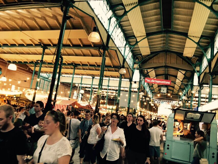 Blick in die Makthalle Neun beim Streetfood Thursday, Berlin