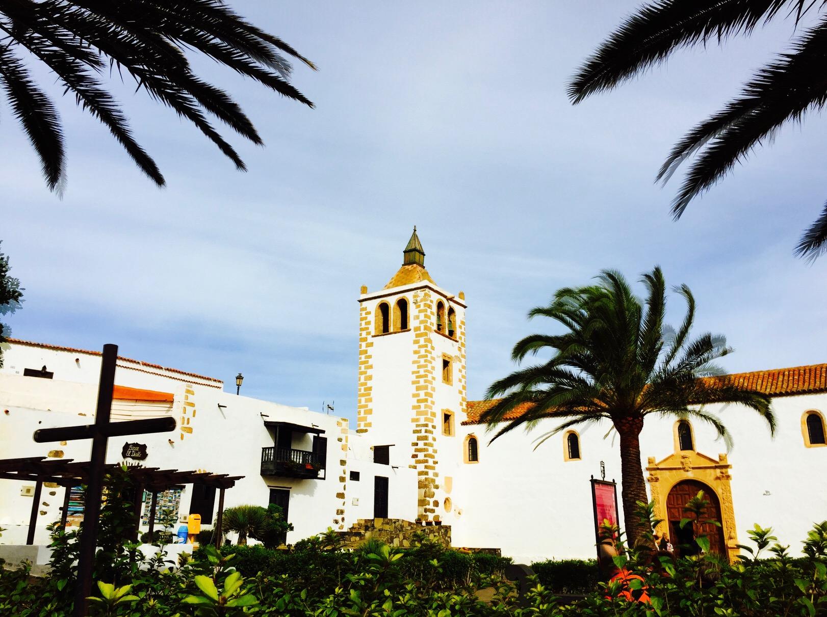 Blick auf eine Kirche in Betancuria, Fuerteventura