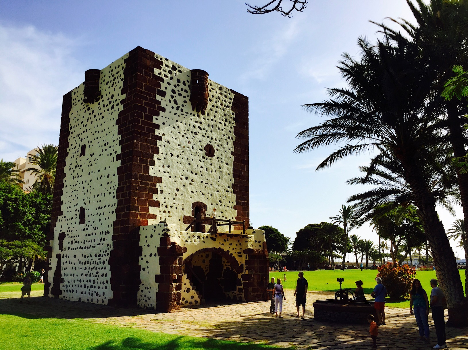 Alter Wehrturm im Park bei San Sebastian, La Gomera