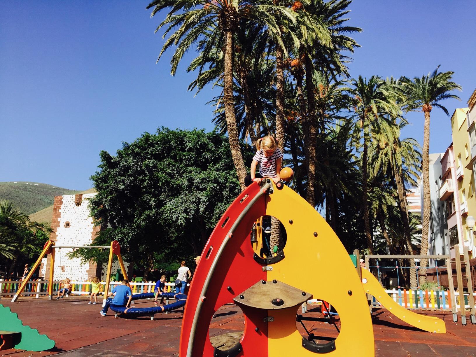 Spielplatz im Park in San Sebastian, La Gomera