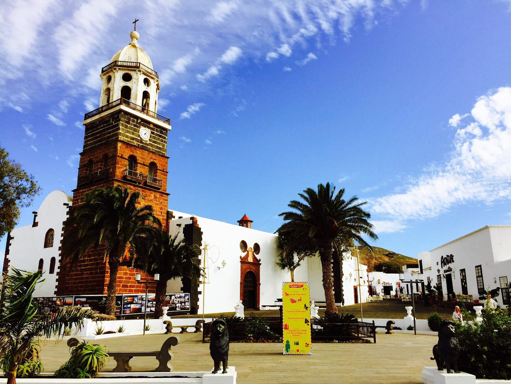 Blick auf eine Kirche in Teguise, Lanzarote