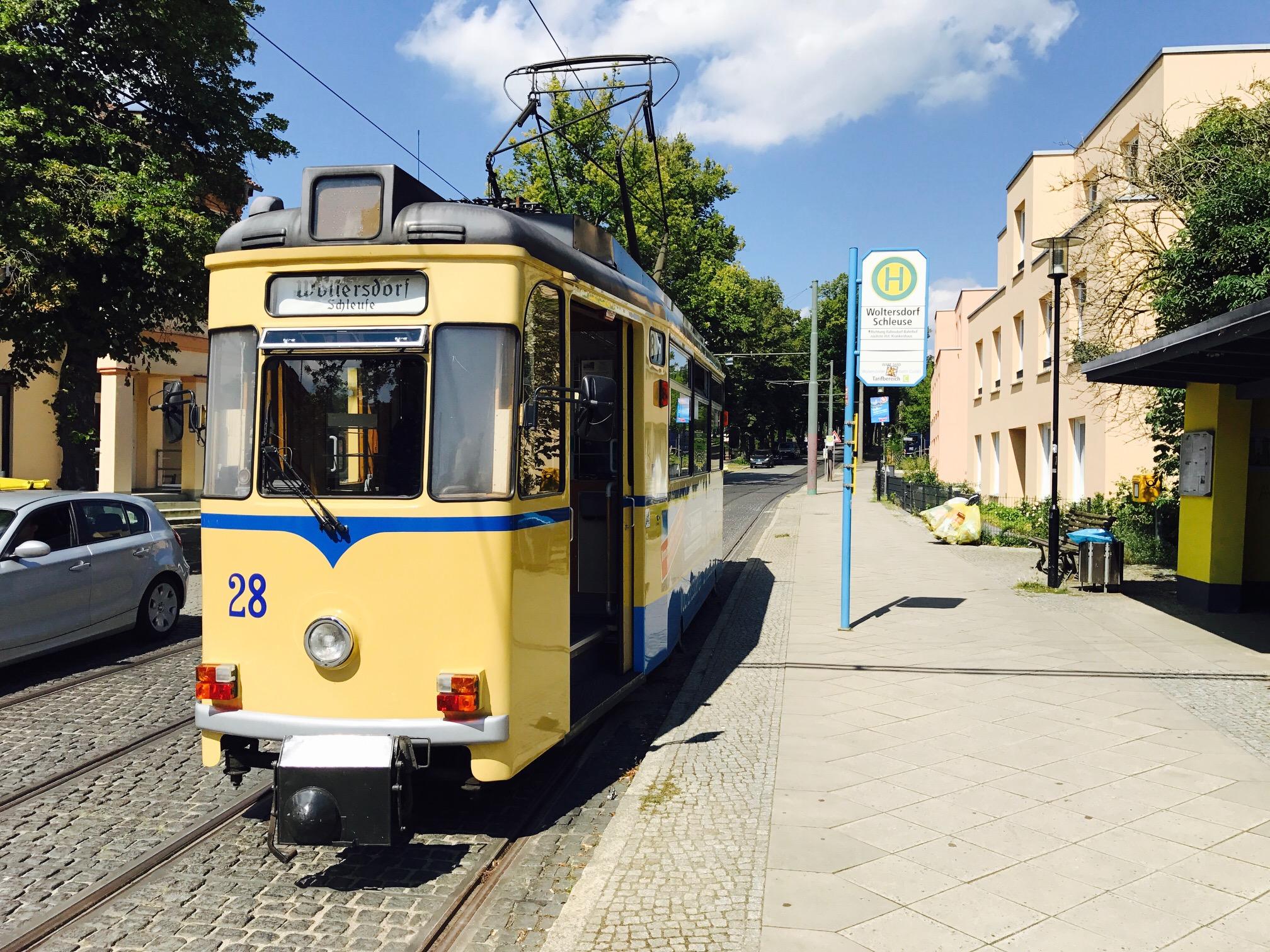 Blick auf die Straßenbahn Woltersdorf, Brandenburg