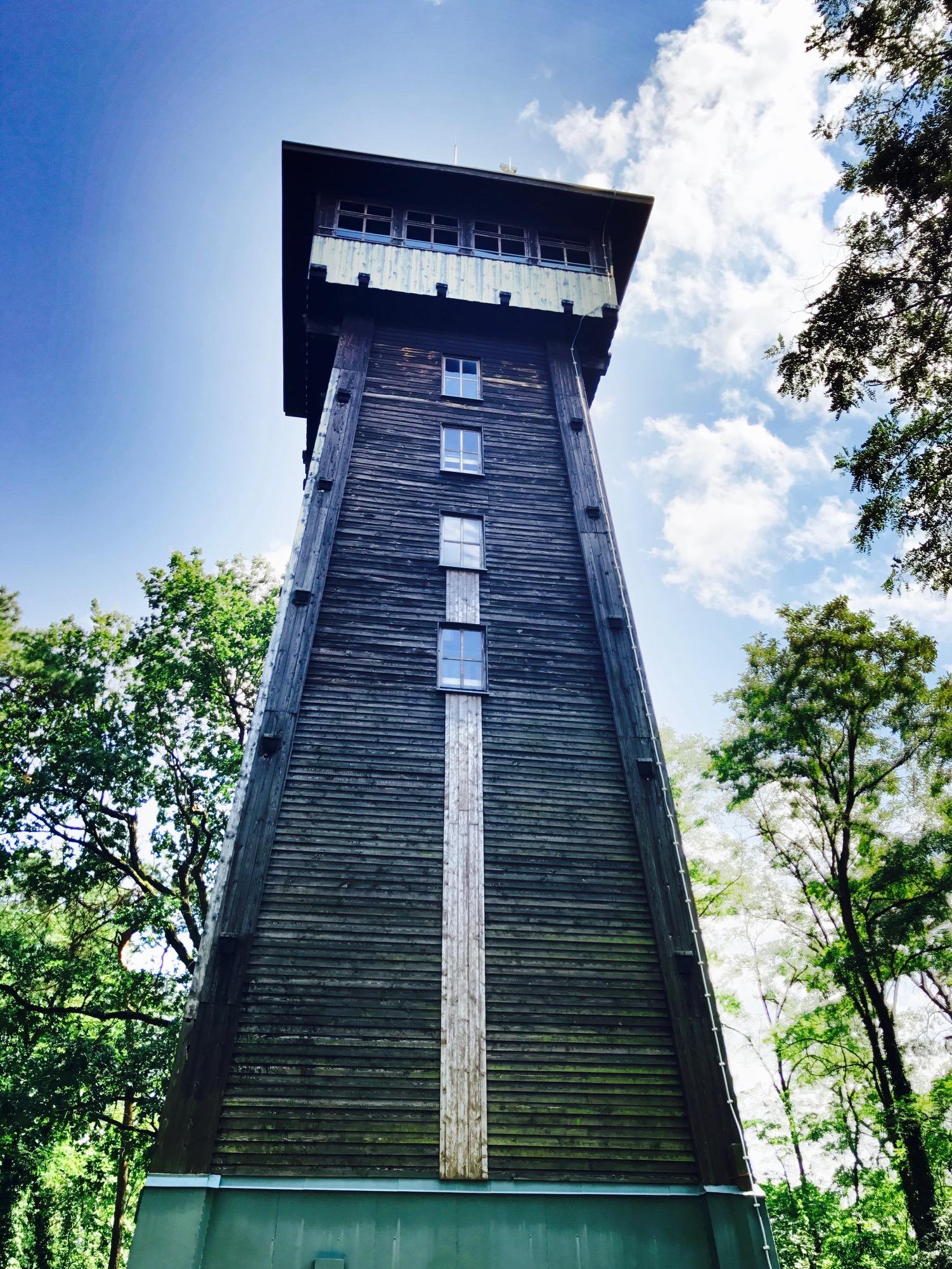 Blick auf den Aussichtsturm in Woltersdorf, Brandenburg