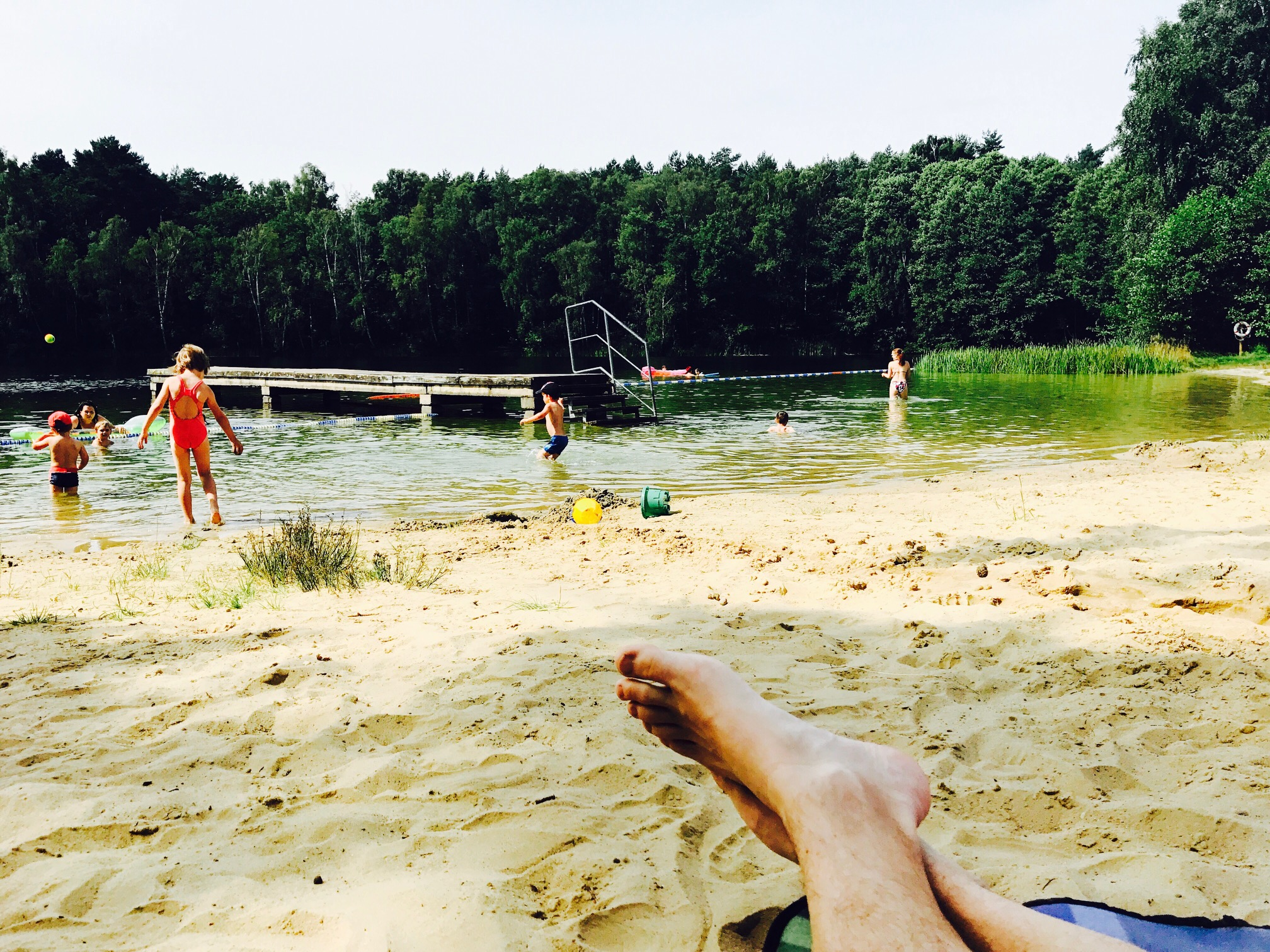 Blick auf den Strand am Glienicksee im Camp Dobbrikow, Nuthe Urstromtal, Brandenburg