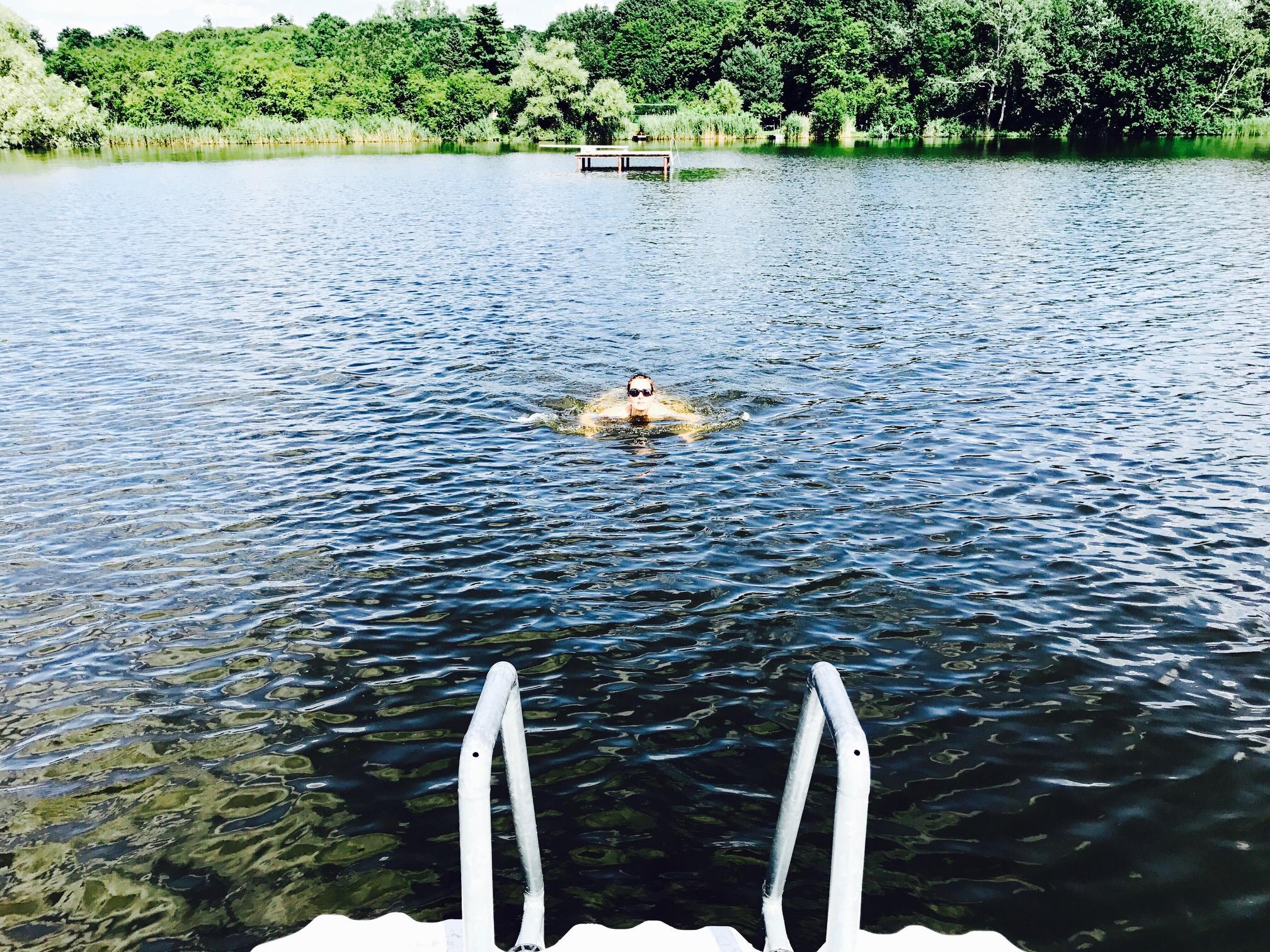 Schwimmen im Krummer See, Strandbad Sperenberg, Brandenburg