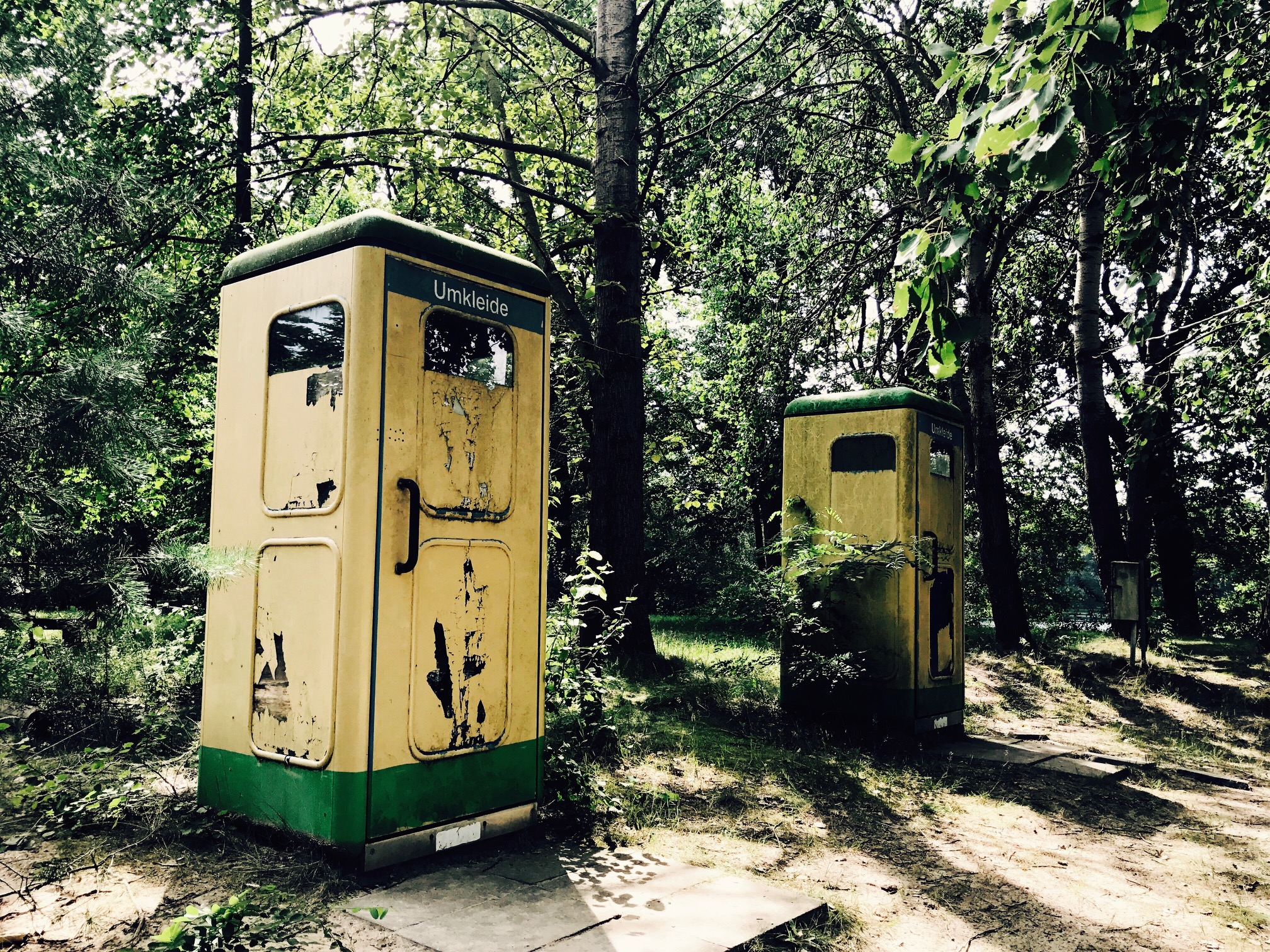 Umkleidekabinen am Glienicksee im Camp Dobbrikow, Brandenburg