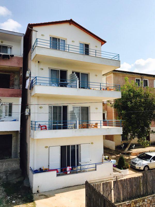 Blick auf das Apartments Neri von außen, Ksamil Beach, Albanien