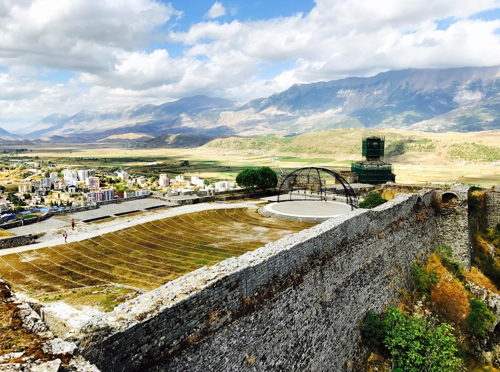 Ausblick von der festung in Gjirokastra, Albanien
