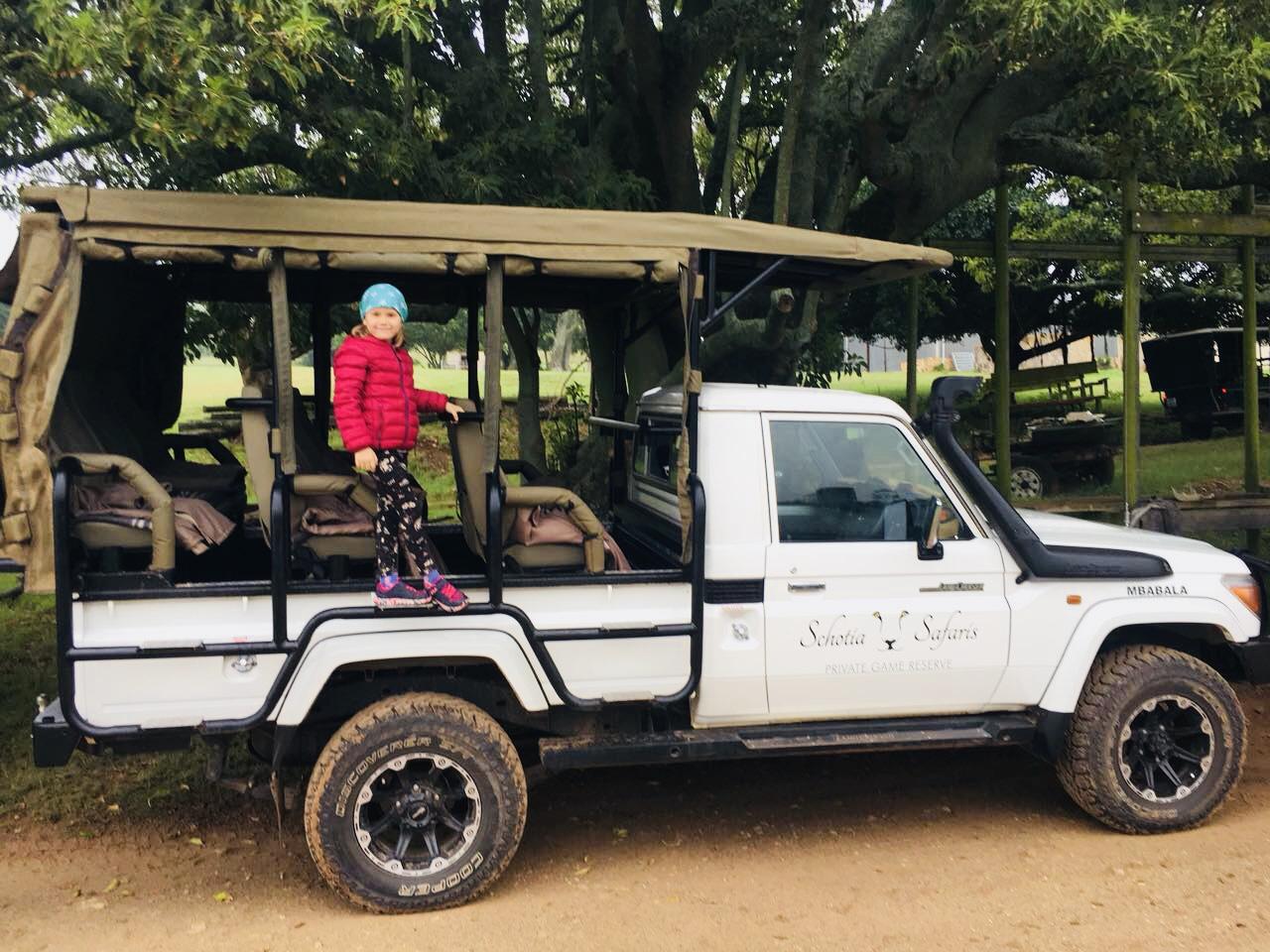 Jeep im Schotia Park, Südafrika