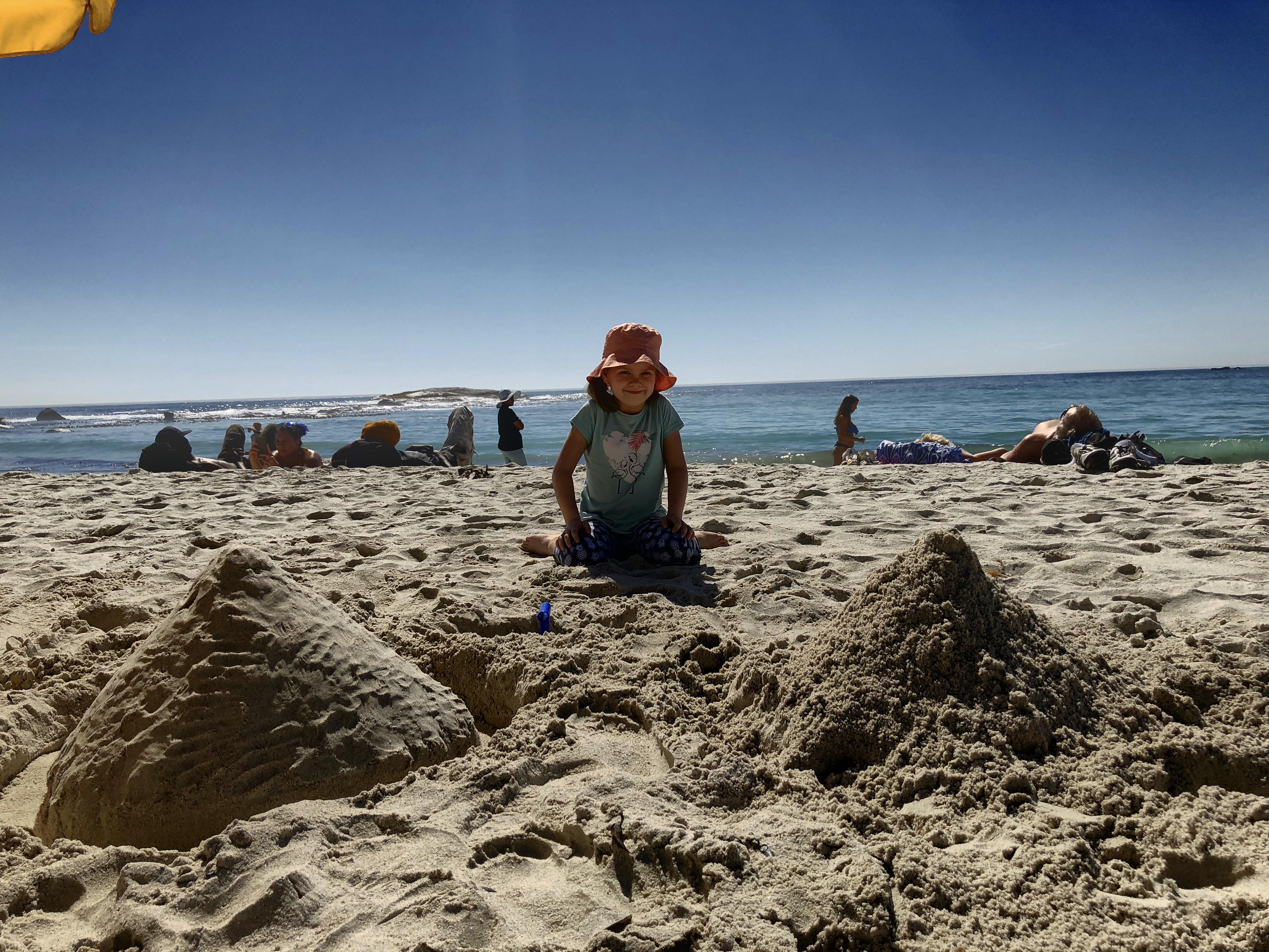 Spielen im Sand, Camps Bay