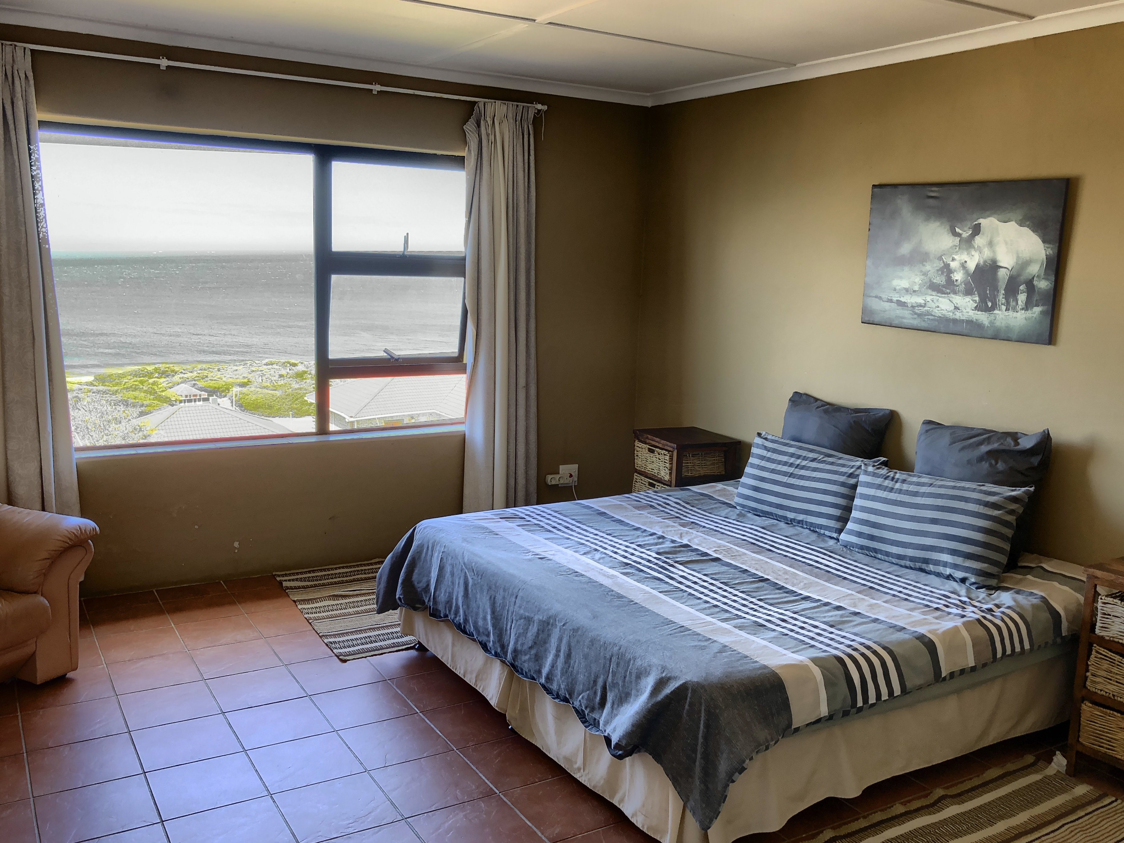 Blick in das Schlafzimmer im Starfishsurfhouse, Jeffreys Bay, Südafrika