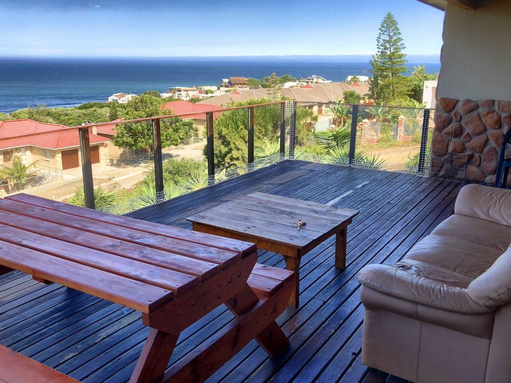 Unsere Terrasse im Starfishsurfhouse, Jeffreys Bay, Südafrika