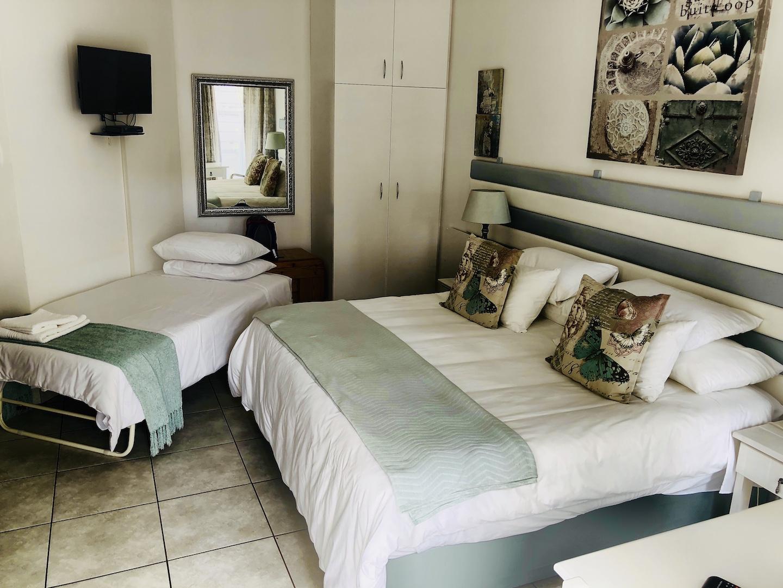 Blick ins Schlafzimmer von der Unterkunft Ascot Place, Port Elizabeth, Südafrika