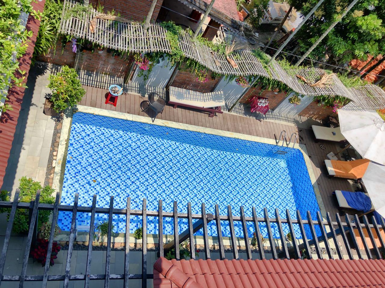 Blick auf den Pool von oben, Serene River Villa, Hoi An, Vietnam