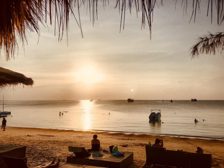 Sonnenuntergang am Hat Sai Ri Beach, Koh Tao, Thailand