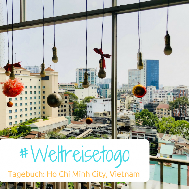 Blick von einem Balkon auf die Stadt, Ho Chi Minh City, Vietnam