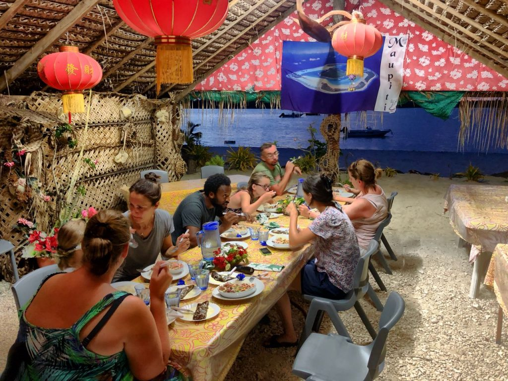 Abendessen im Espace Beach, Maupiti