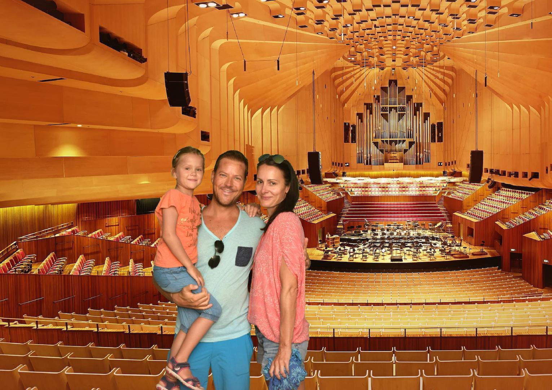 Familie im Sydney Opera House