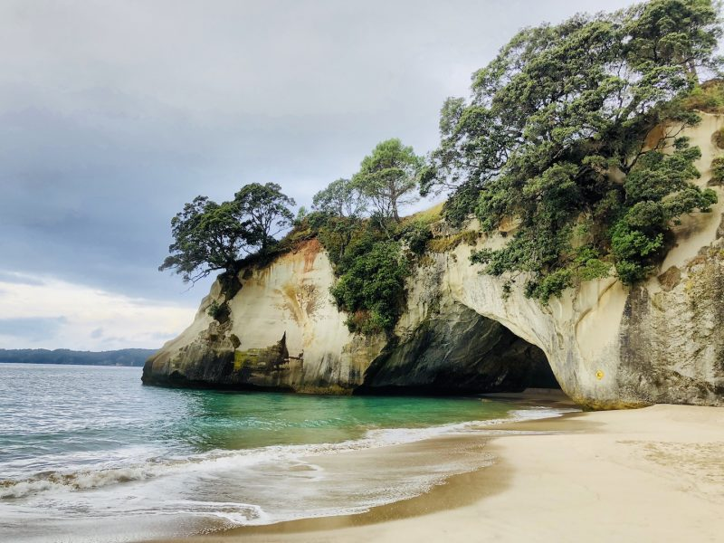Cathedral Cave in der Cathedral Cove Bucht Neuseeland