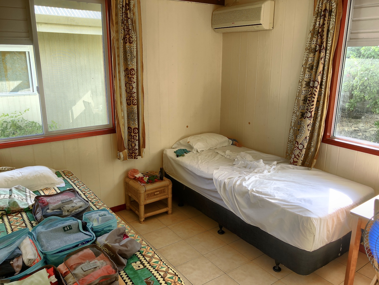 Schlafzimmer im Bungalow von der Maupiti Résidence, Maupiti, Südsee