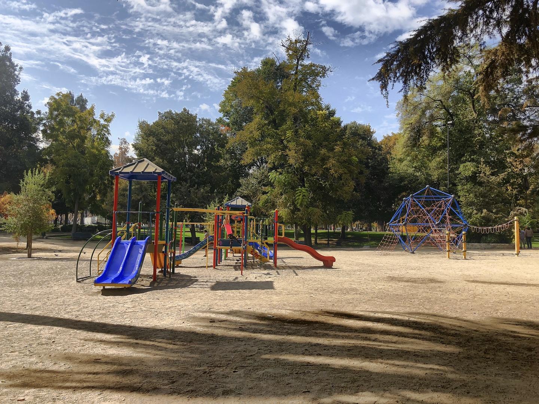 Park mit Spielplatz in Santiago de Chile