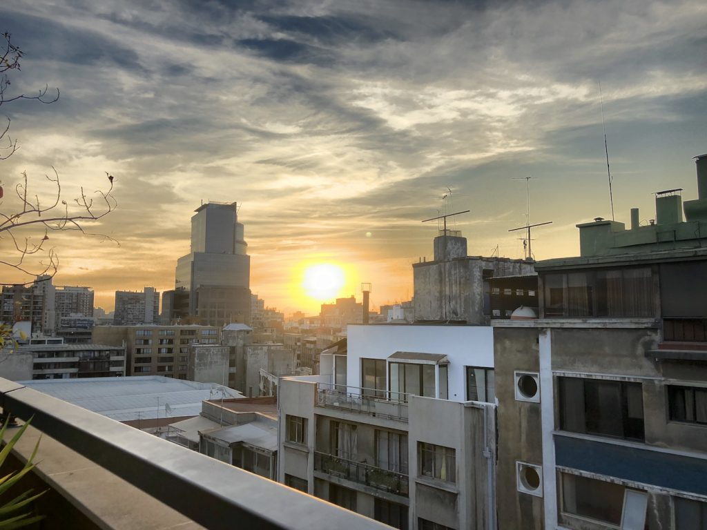Ausblick von der Rooftopbar The Singular, Santiago de Chile