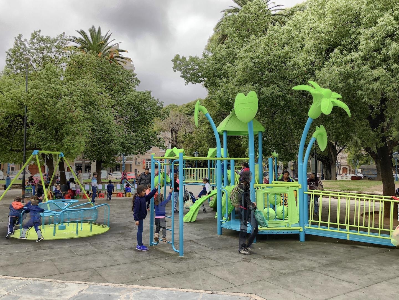 Spielplatz auf dem Plaza Independencia, Mendoza