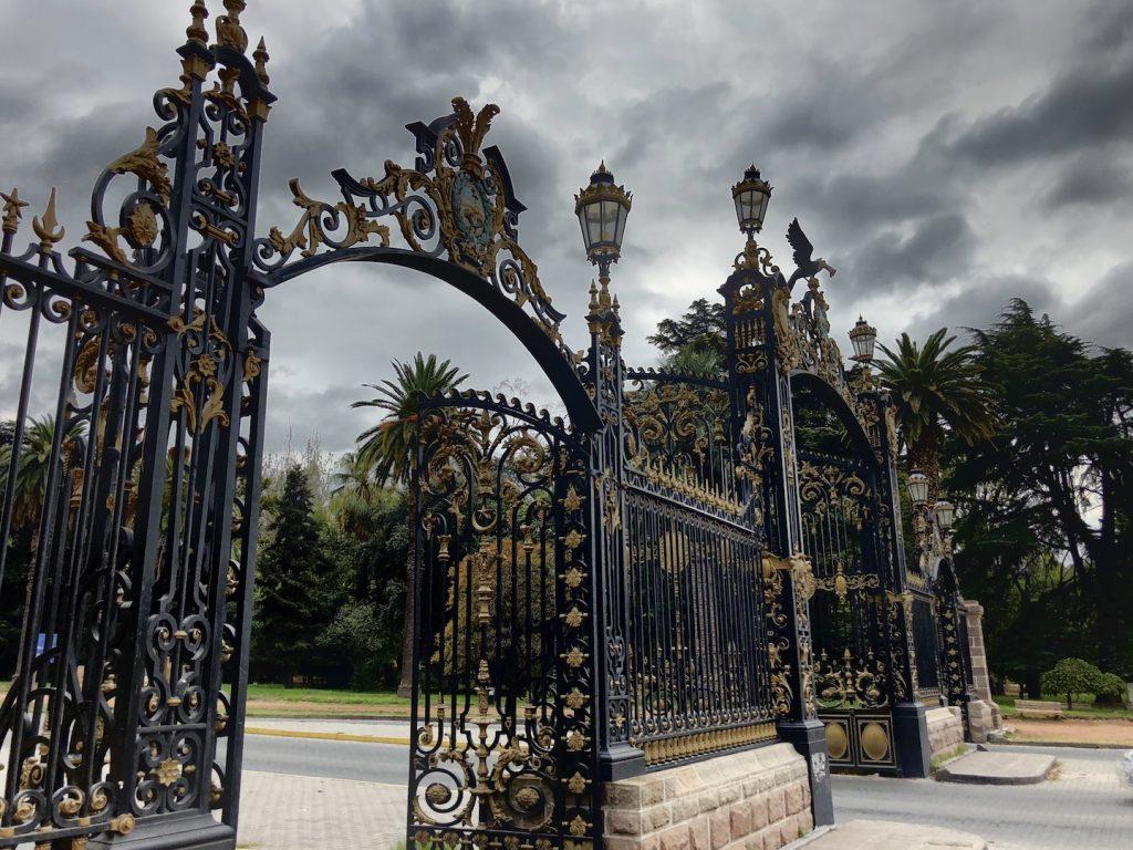 Eingangstor vom Parque San Martín, Mendoza, Argentinien