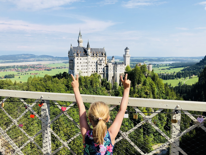 Blick auf Schloss Neuschwanstein von der Marienbrücke aus