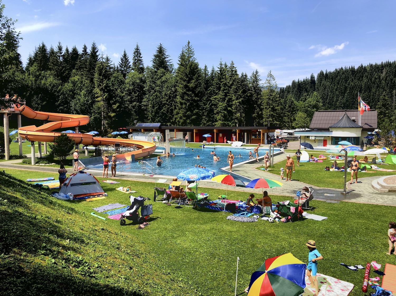 Blick auf das Strandbad Haldensee, Tirol