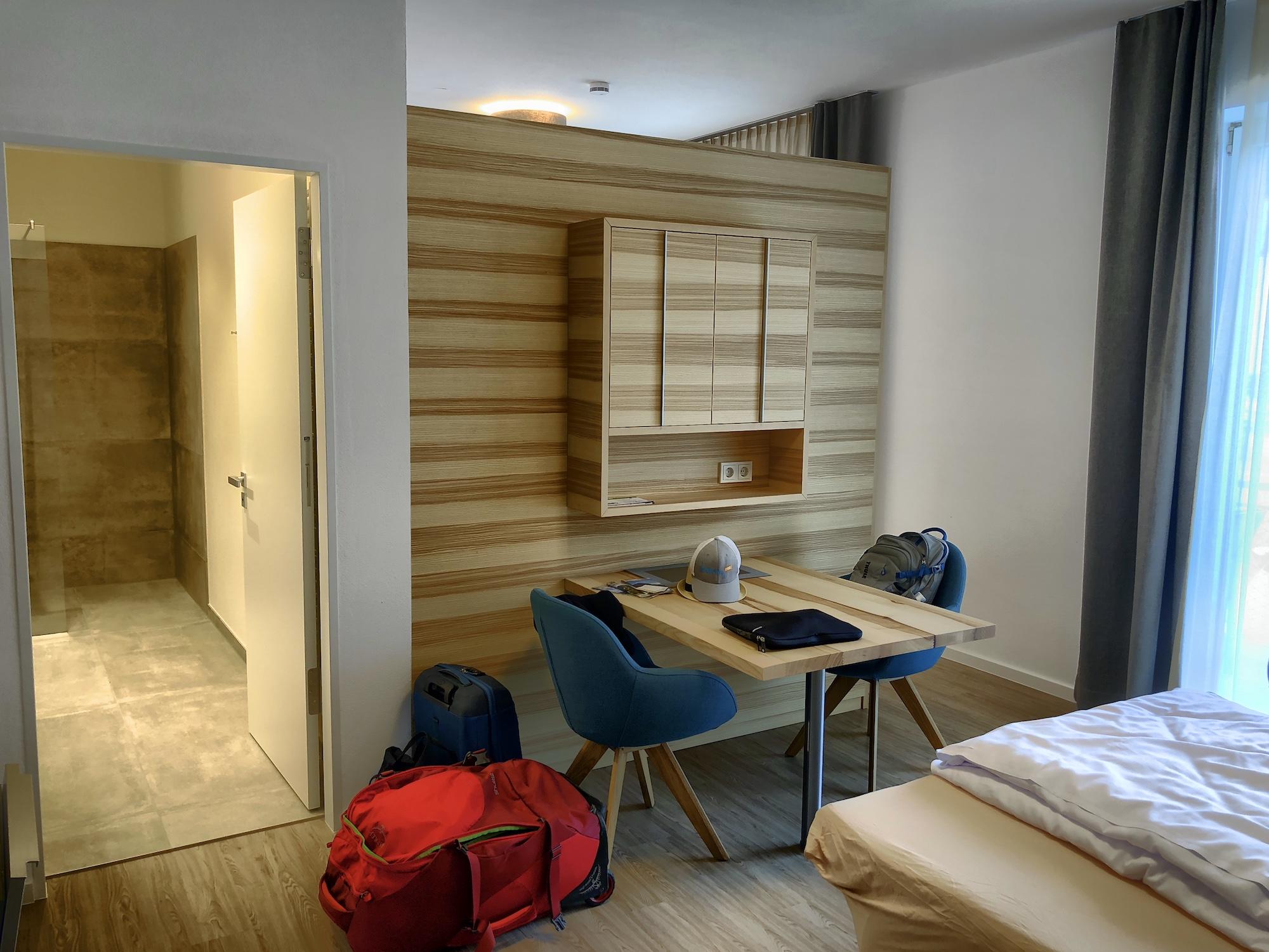 Blick ins Zimmer der Unterkunft Im Achtal in Pfronten