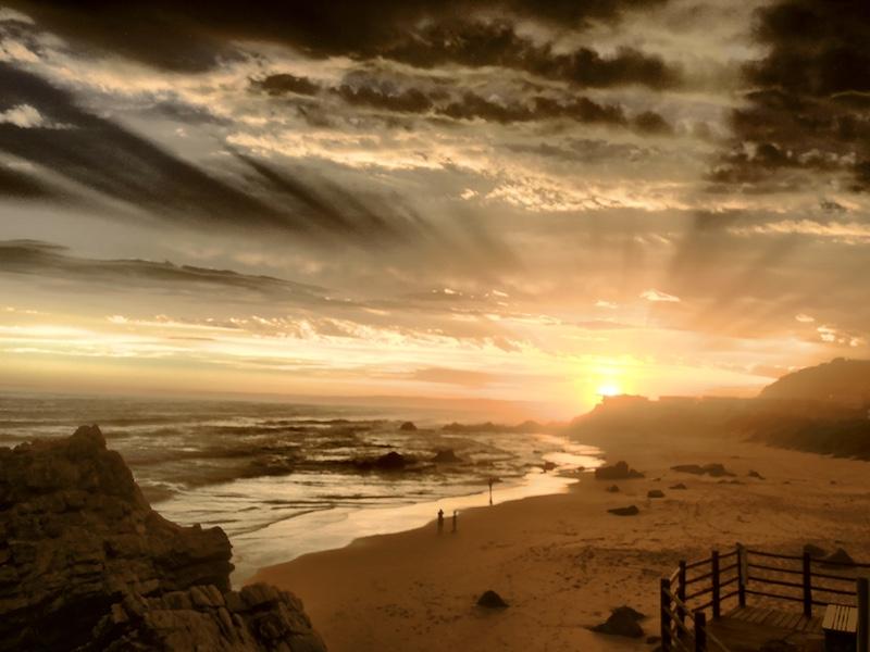 Sonnenuntergang bei Enrico's Restaurant, Plettenberg Bay, Südafrika