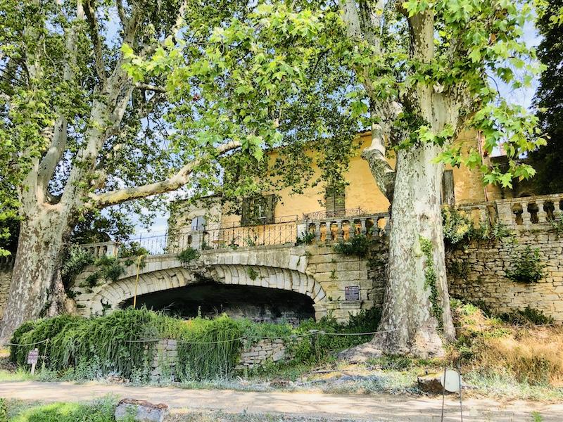 """Blick auf Château La Canorgue, Weingut vom Film """"Eine gutes Jahr"""", Provence"""