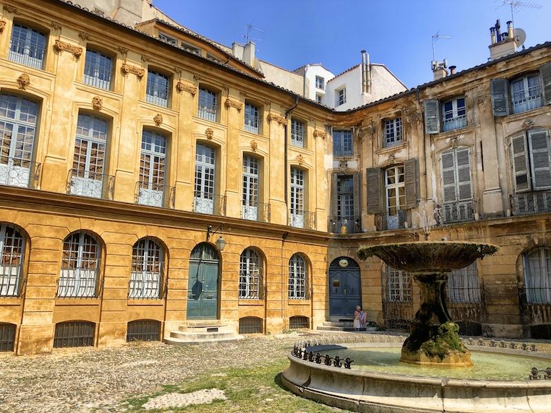 Place d'Albertas in Aix en Provence