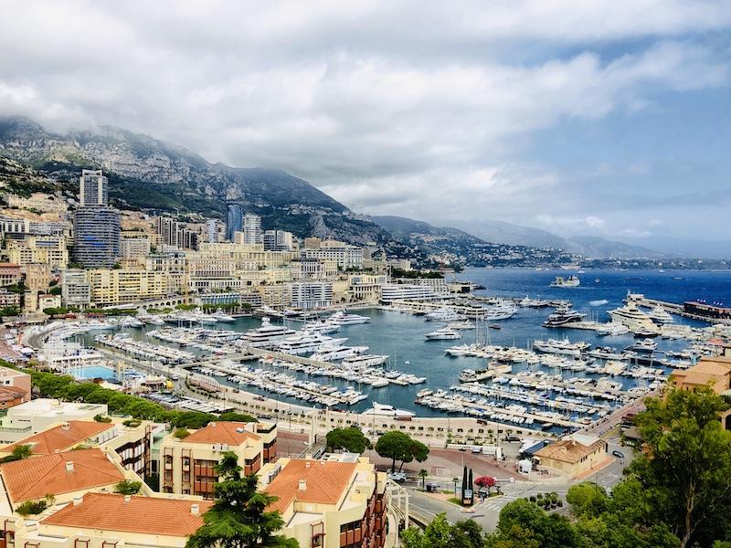 Blick auf Monaco vom Platz vor dem Fürstenpalast aus, Côte d'Azur
