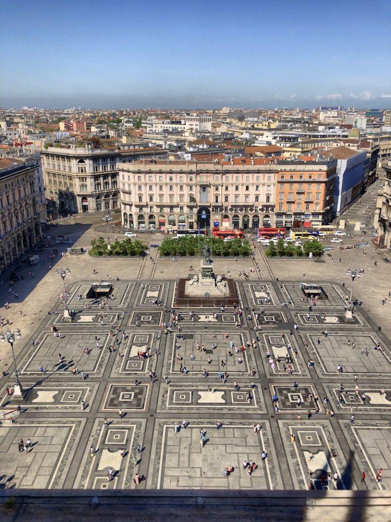 Blick von den Domterrassen in Mailand