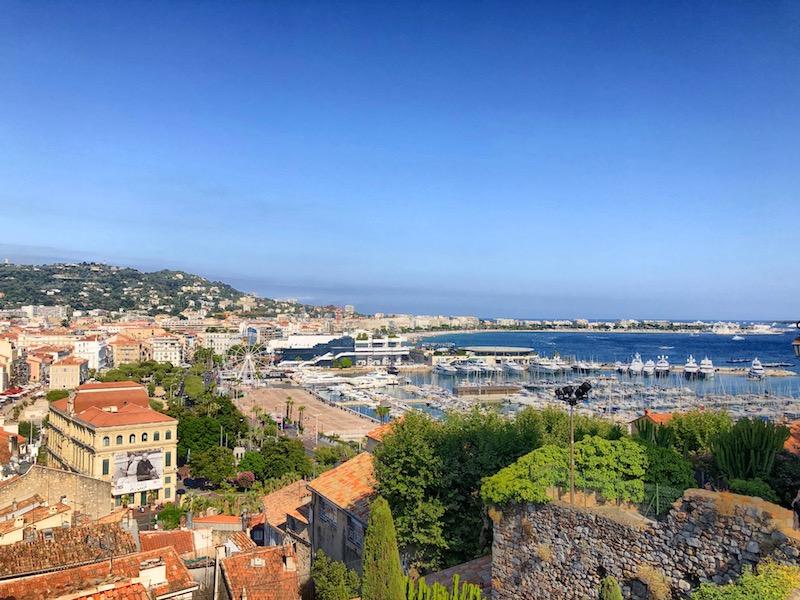 Blick von oben auf Cannes, Côte d'Azur