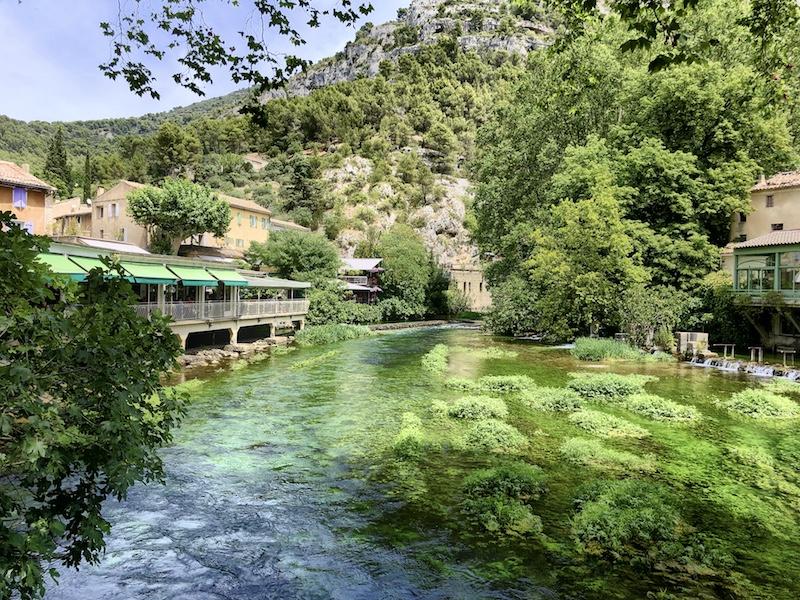 Blick auf die Sorgue, Fluss in der Provence